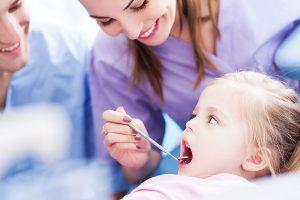 Upper-Mt-Gravatt-Dentist-FAQ teeth exam dentist check